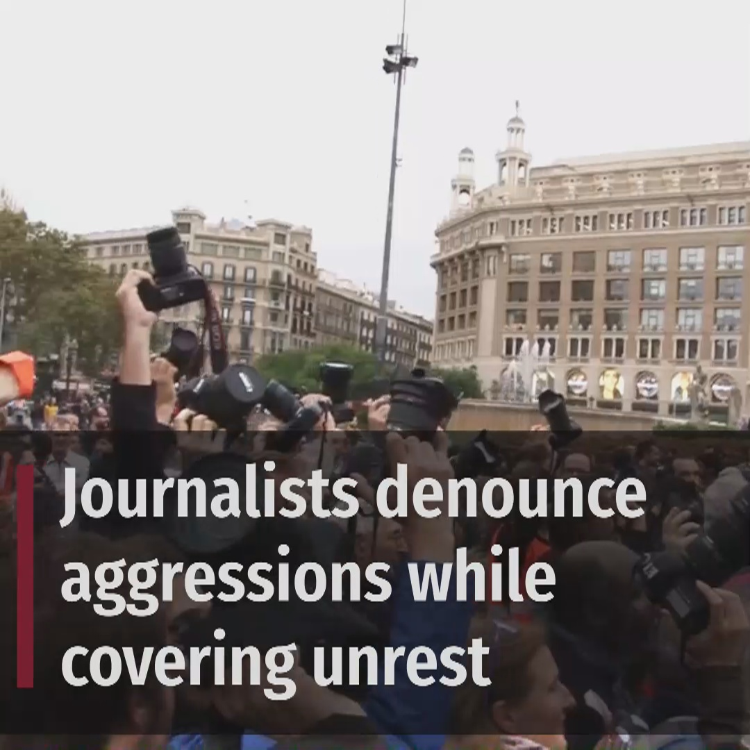 Journalists denounce aggressions against them while covering protests