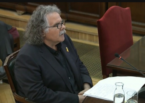 Esquerra MP Joan Tardà testifying in the independence trial