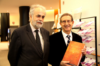 The author 'Universal Catalan Contributions', cultural promoter Joan Amorós and Ramon Mir (by ACN)