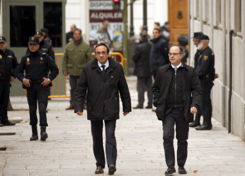 Josep Rull and Jordi Turull outside Spain's Supreme Court in Madrid on March 28, 2018 (by Javier Barbancho)