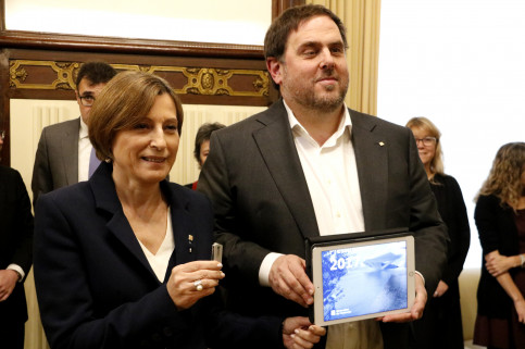 Catalan Vice President and Minister for Economy, Oriol Junqueras and Parliament's President, Carme Forcadell, presenting the budget for 2017 (by ACN)