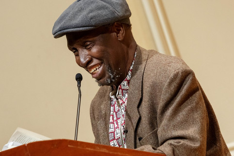 Kenyan writer Ngugi wa Thiong'o during a presentation in the Coolidge Auditorium on May 9, 2019 (by Shawn Miller/Library of Congress)