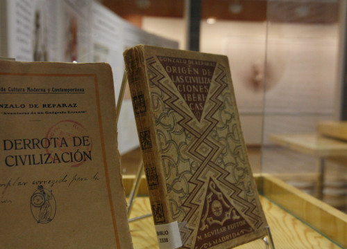 One of the books written by Gonzalo de Reparaz, now at the Catalan Institute of Cartography and Geology (by ACN)