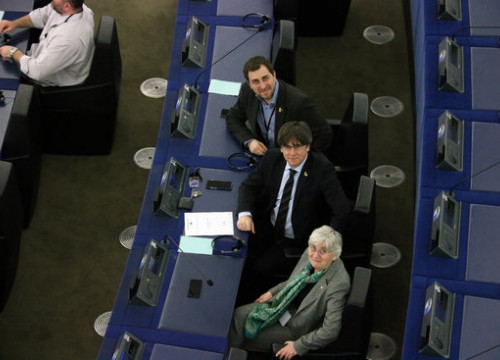 MEPs Toni Comín, Carles Puigdemont, and Clara Ponsatí on February 10, 2020 (by Natàlia Segura)