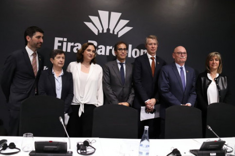 Catalan digital policy minister Jordi Puigneró, Spanish government delegate Teresa Cunillera, Barcelona mayor Ada Colau, Fira de Barcelona president Pau Relat, Mats Granryd and John Hoffman of GSMA and L'Hospitalet mayor Núria Marín (by Blanca Blay)