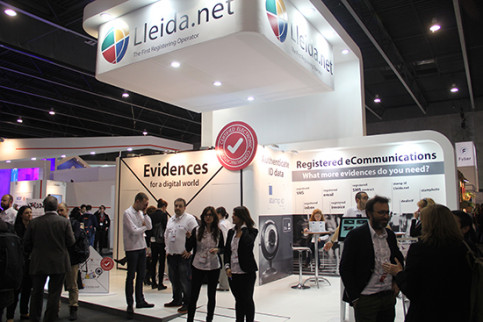 The registering operator Lleida.net has a dedicated stand at the congress (by J. Julià)