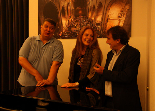 Daniele Abbado, stage director of 'Nabucco' on the right, soprano Martina Serafin and barítone Ambrogio Maestri on the left (by ACN)