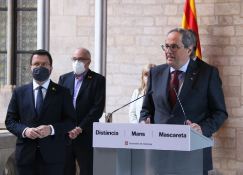 Ousted president Quim Torra giving his farewell speech on September 28, 2020, with vice president Pere Aragonès (by Mariona Puig)