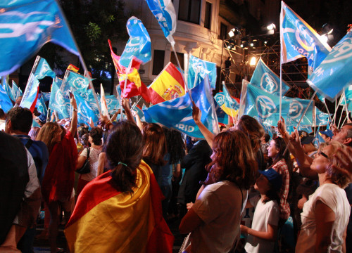 Conservative People's Party (PP) supporters celebrating their victory in the 2016 Spanish Elections at the party headquarters, in Madrid (by ACN)