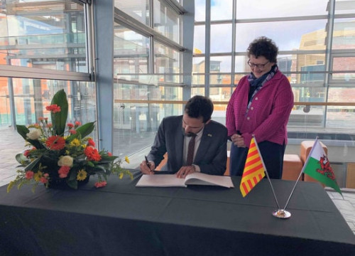 Parliament speaker Roger Torrent with Welsh presiding officer Elin Jones on March 11, 2020 (Courtesy of Catalan parliament)