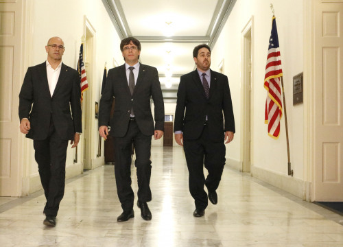 Catalan President, Carles Puigdemont, together with Catalan Minister for Foreign Affairs, Raül Romeva and and the Delegate of the Catalan Government to the United States, Andrew Davis, at the US Congress in Washington DC (by ACN)