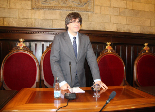 The recently invested as new Catalan President, Carles Puigdemont resigned from Mayor of the city of Girona (by ACN)
