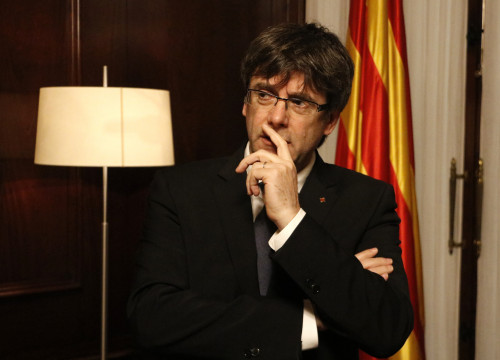 Catalan President, Carles Puigdemont, at his office (by ACN)