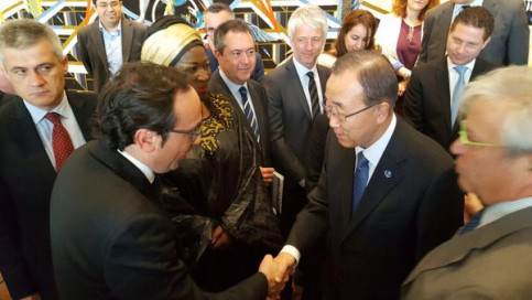 Catalan Minister for Planning and Sustainability Josep Rull greeting Secretary General of the United Nations, Ban Ki-moon (by ACN)