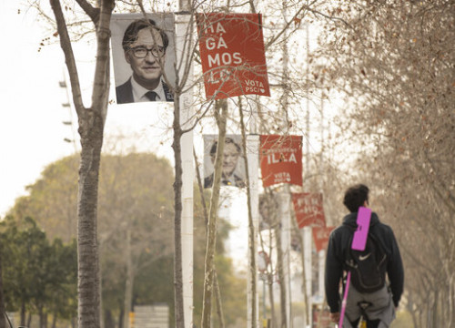Socialist party campaign banners in Barcelona (by Job Vermeulen)