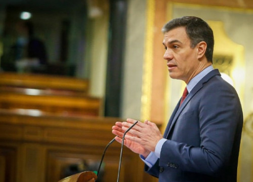 Spanish president Pedro Sánchez speaking in Congress on April 9, 2020