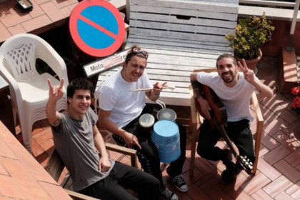Stay Homas perform their lockdown-inspired songs from their Barcelona rooftop terrace (Twitter @stayhomas)