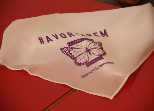 Stop Violències handkerchief with 'Avortarem' (We will abort) slogan demanding the legalization of abortion in Andorra (by Albert Lijarcio)