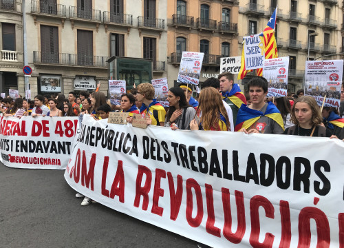 Student strikers march through the center of Barcelona on October 31, 2019 in favor of independence (by Cristina Tomàs White)