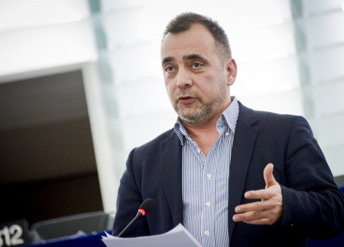 Green MEP, Tamás Meszerics, during a plenary session at Strasbourg's European Parliament (by ACN)