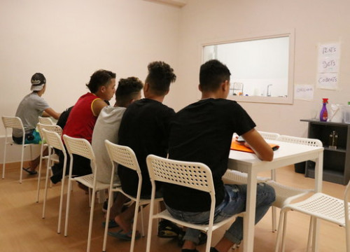 Teenagers at a center for unaccompanied foreign minors in Badalona (by Norma Vidal)
