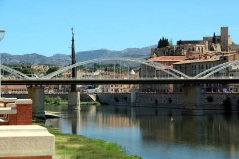 The Battle of the Ebre Francoist monument has been a part of the Tortosa cityscape since 1964 (by Anna Ferràs)