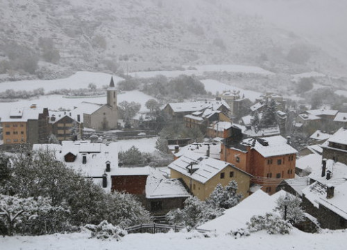 The town of Espot covered in snow on October 28 2018 (by Marta Lluvich)