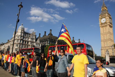 The Catalan Way, in London, near Parliament and the Big Ben (by ACN)