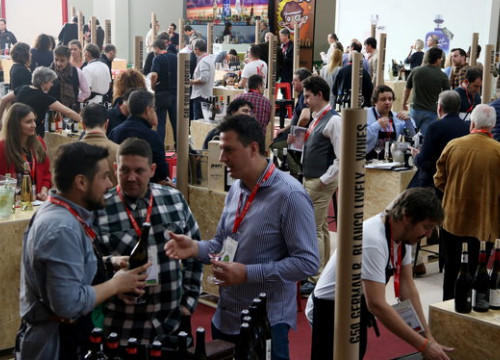 Wine industry professionals at the Barcelona Wine Week (by Pau Cortina)