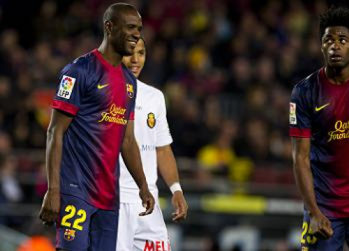 Abidal (left) and Song at the Barça - Mallorca game (by FC Barcelona)