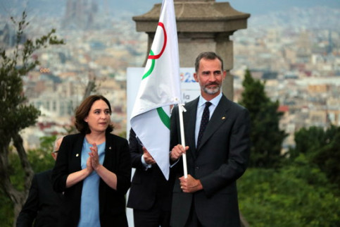 The Barcelona mayor, Ada Colau, and the King of Spain (by Àlex Recolons)
