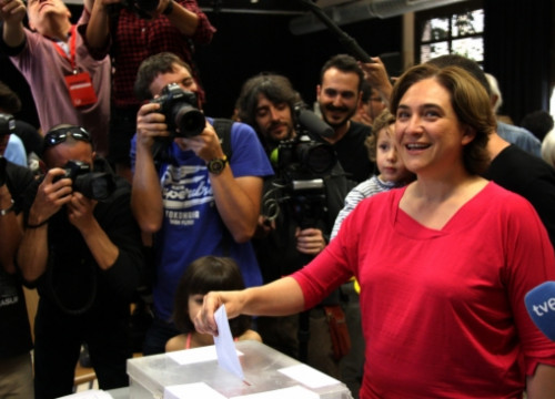 The alternative left candidate for Barcelona Mayor, Ada Colau, voting on Sunday (by ACN)