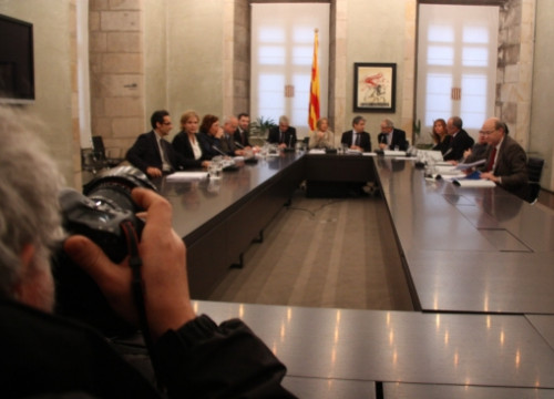 Members of the Catalan Government's Advisory Council for the National Transition presenting four reports (by R. Garrido)