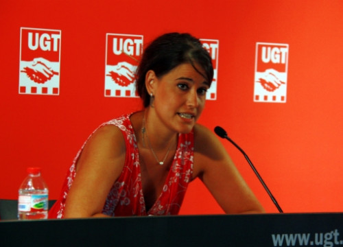 Afra Blanco presenting the UGT report on Thursday (by L. Roma)