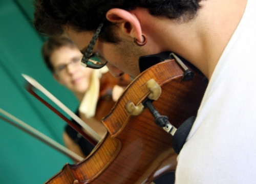 A student of the 2014 Solsona's International Music Academy (by E. Escolà)