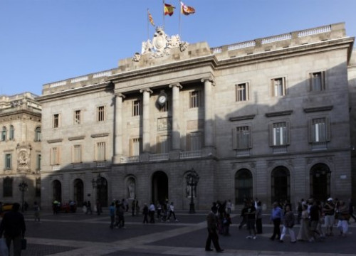 Barcelona's City Hall is likely to change its political colour (by O. Campuzano)