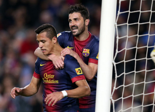 Alexis and Villa celebrating the Chilean's goal (by FC Barcelona)