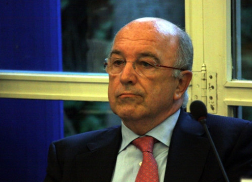 The Vice President of the European Commission, the Spaniard Joaquín Almunia, in Barcelona on Monday (by J. R. Torné)