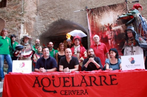 The organisers of Cervera's Aquelarre presenting the party schedule some days ago (by O. Bosch)