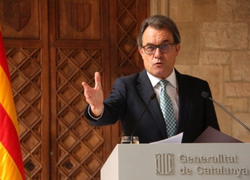 "The Catalan President, Artur Mas, announcing the new ""participatory process"" to take place on the 9th of November (by ACN)"