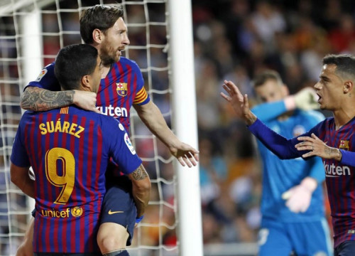 Messi, Suárez and Coutinho celebrate the goal from the Barça captain (Photo by: Miguel Ruiz / FCB)