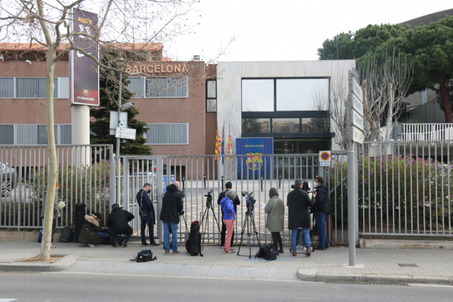 FC Barcelona offices being searched on March 1, 2021 (by Miquel Codolar)
