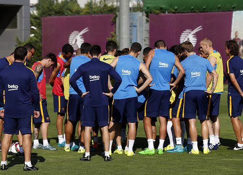 Barça squad training before the Spanish Super Cup final match (by FC Barcelona)