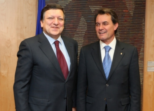 Barroso (left) and Mas (right) meeting in Brussels in 2011 (by ACN)