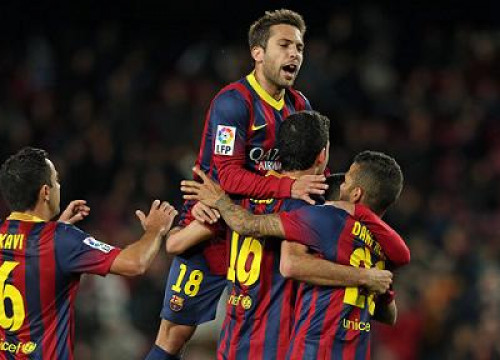 Barça players celebrate Busquets' goal against Real Sociedad (by FC Barcelona)