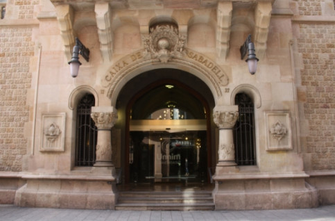 The former headquarters of Caixa Sabadell in an Art Nouveau building (by ACN)