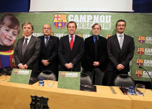 Barça's President Sandro Rosell (centre) with Catalonia's Minister for Health Boi Ruiz (at Rosell's right hand side) (by FCB)