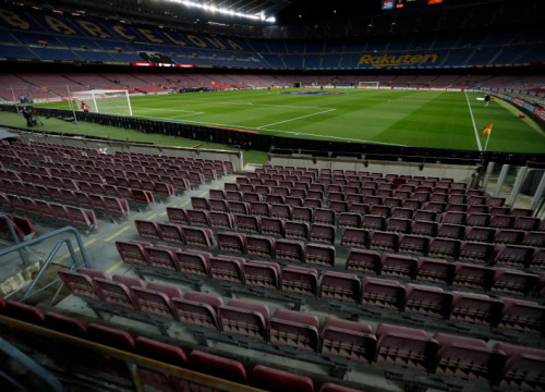Empty Camp Nou before the beginning of a match between FC Barcelona and Eibar on December 29, 2020 (by Albert Gea/Reuters)