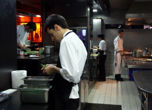 The kitchen of Can Fabes on the day after the closing announcement (by L. Vilaró)