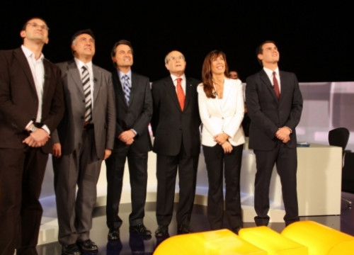 The candidates before the start of the debate (by R. Garrido)